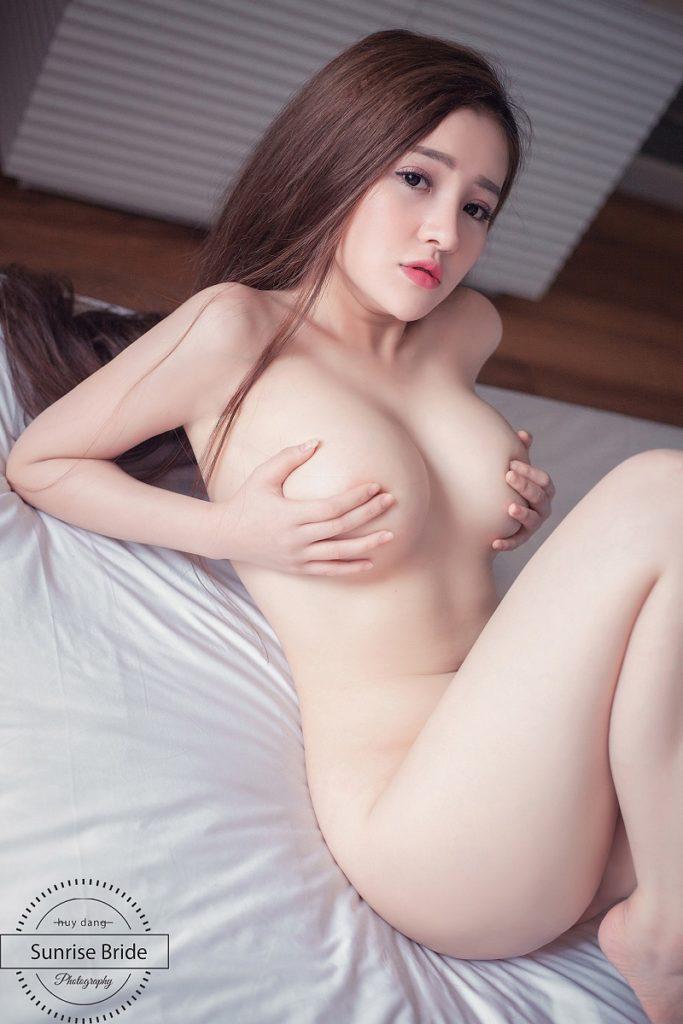 ảnh nude ngân 2k